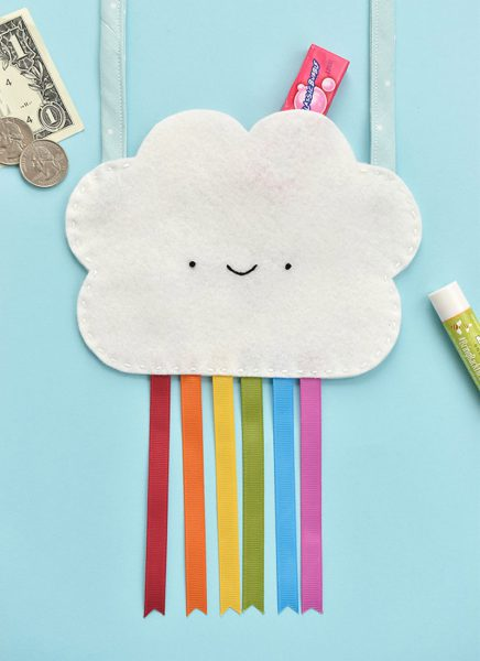 free DIY patterns - kawaii rainbow cloud bag