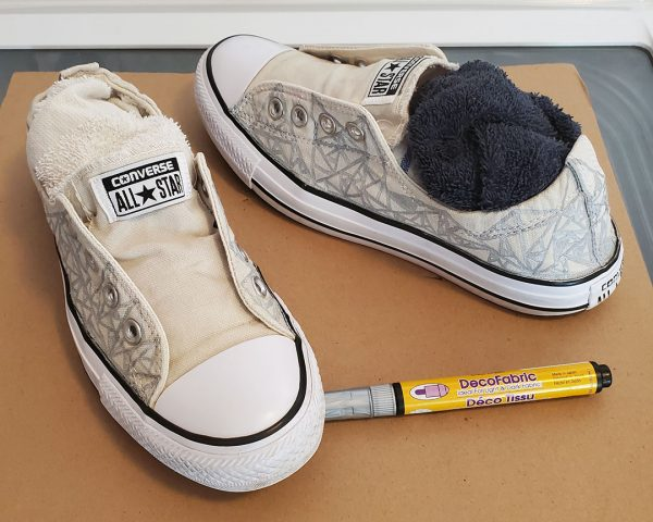 how to draw on canvas shoes
