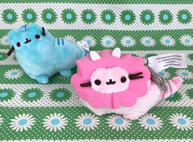 Pusheen Dinosheen plush