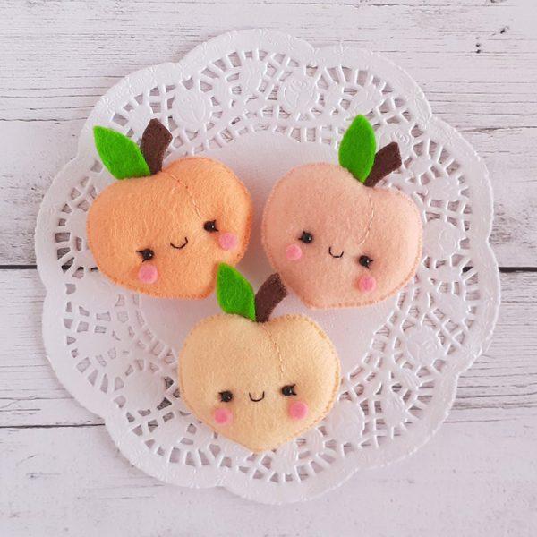 Kawaii Peaches brooches