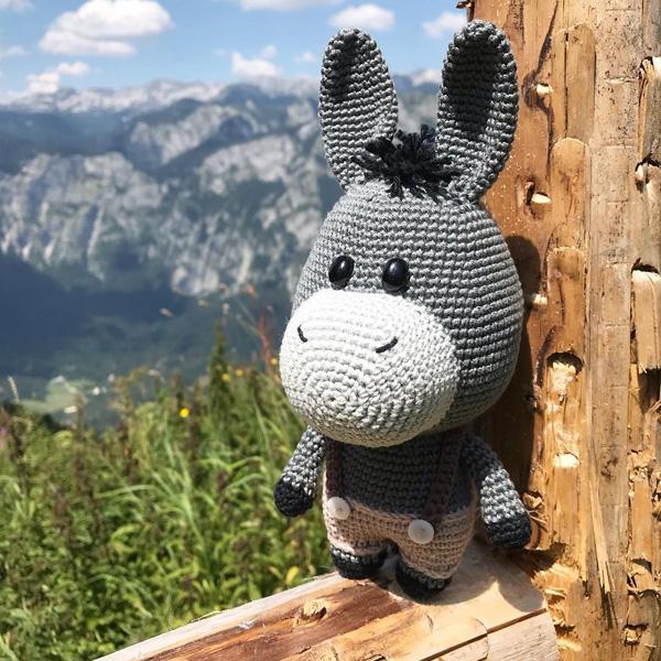 kawaii donkey amigurumi crochet pattern