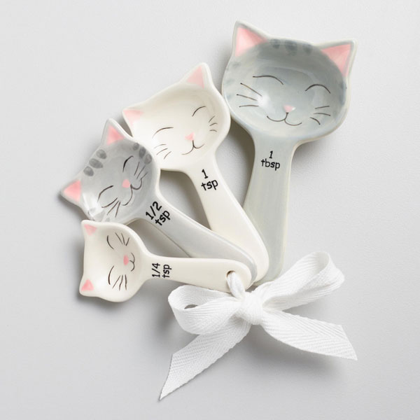 cute cat measuring spoons
