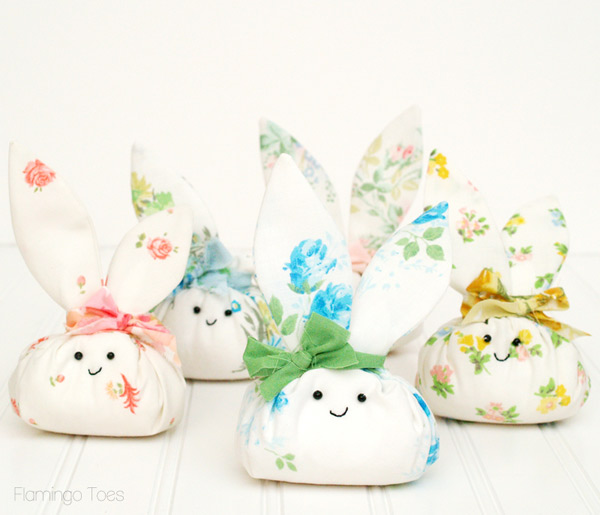 free easter crafts - bunny fabric decoration