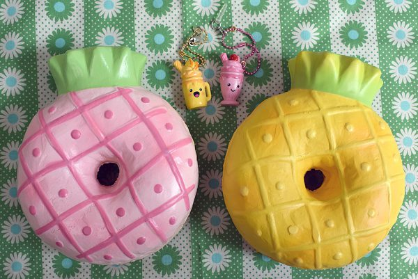 Creamiicandy Kawaii pineapple donut Squishy