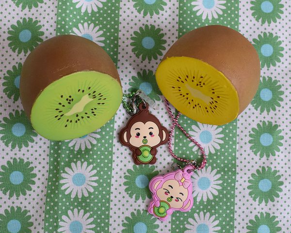 Creamiicandy Kawaii kiwi Squishy