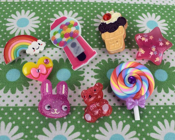 etsy UK kawaii brooches - jazzymenagerie