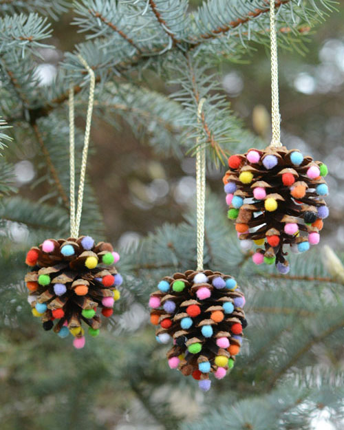 diy pompom pinecone ornament
