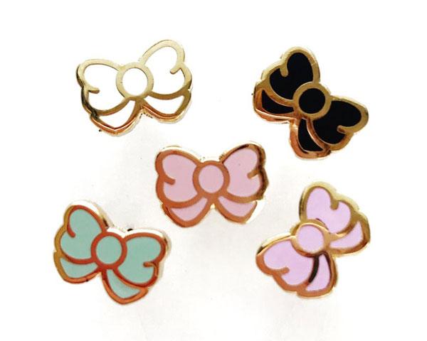 kawaii earrings - bow studs