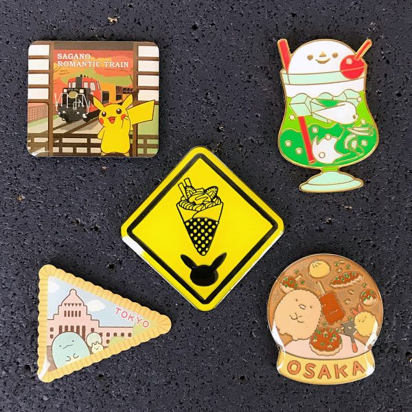 kawaii gachapon Japan souvenir pins