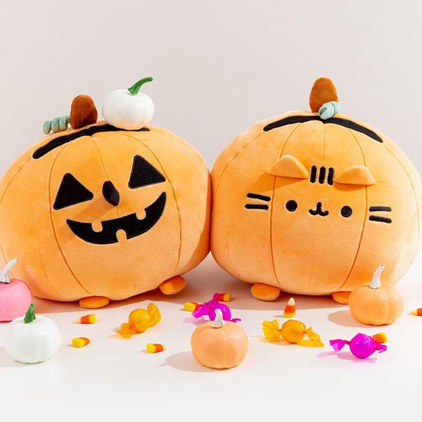 Pusheen Halloween plush