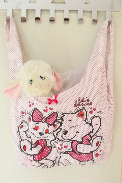 upcycled fabric sewing projects - tshirt tote bag