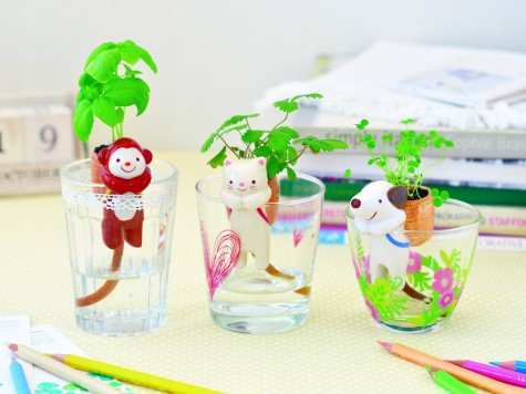 Shippon self watering animal planter