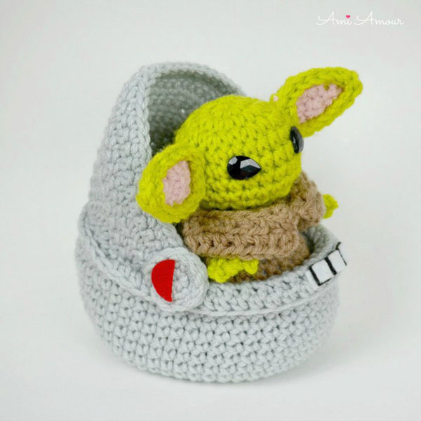 Grogu Baby Yoda crochet patteern