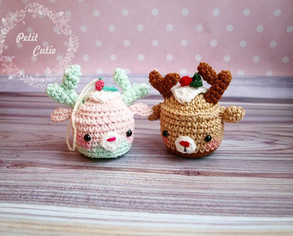 Christmas Crochet Patterns - reindeer cupcakes