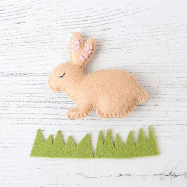 Free Easter Bunny felt sewing pattern