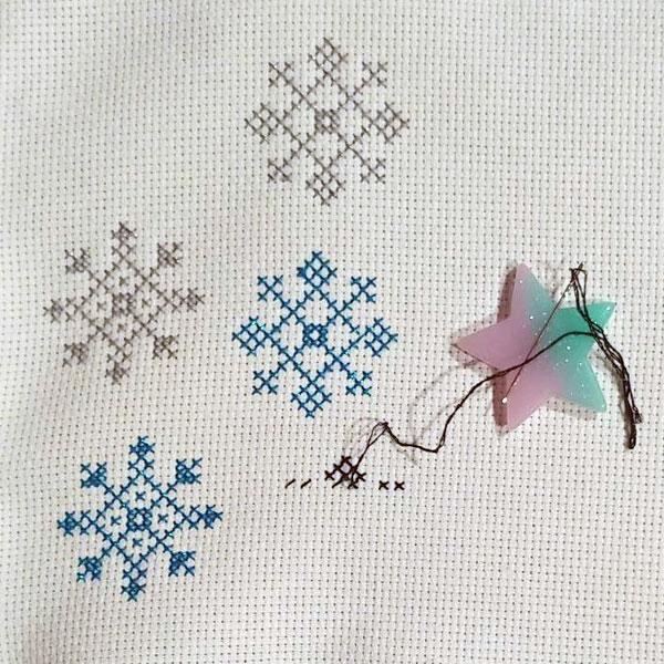 snowflake cross stitch pattern