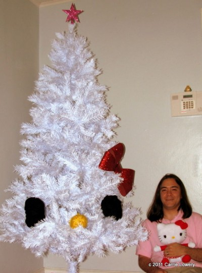 hello-kitty-xmas-tree-400x541