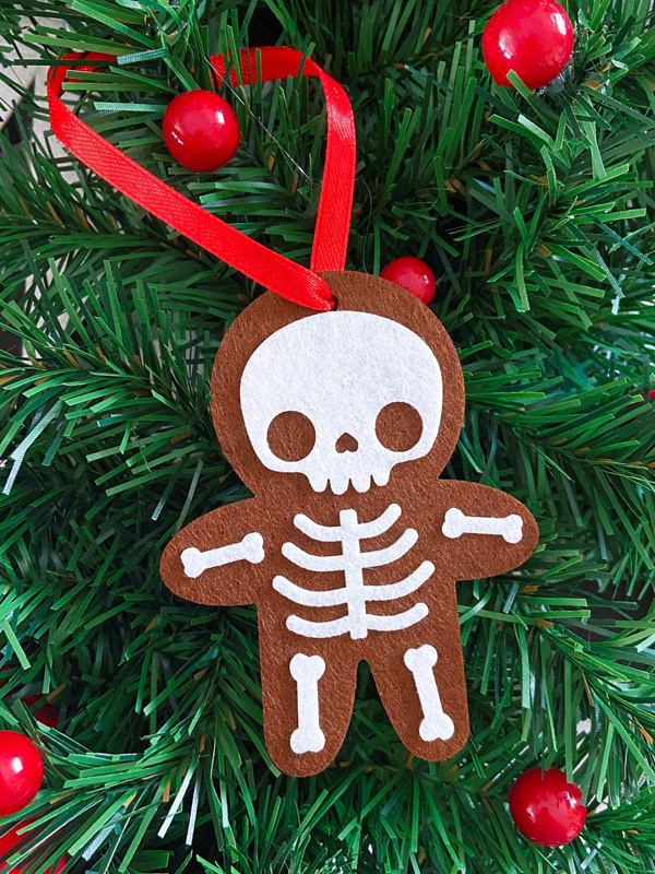 kawaii gingerbread man christmas tree ornament