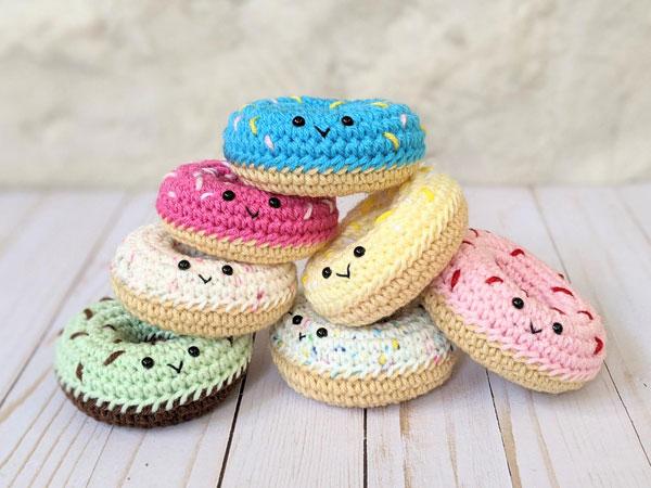 Kawaii donut amigurumi crochet pattern