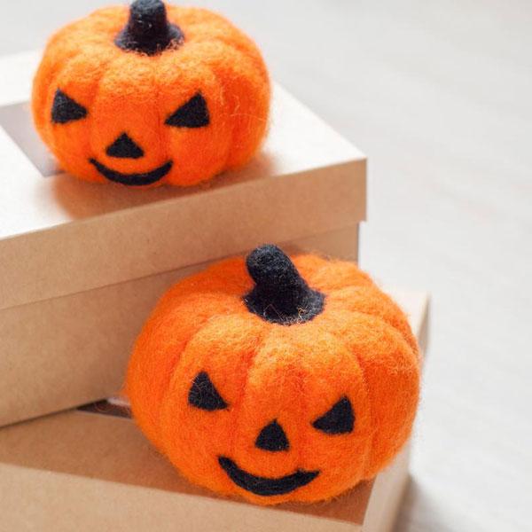 Kawaii Halloween Craft Kits - pumpkin needlefelting