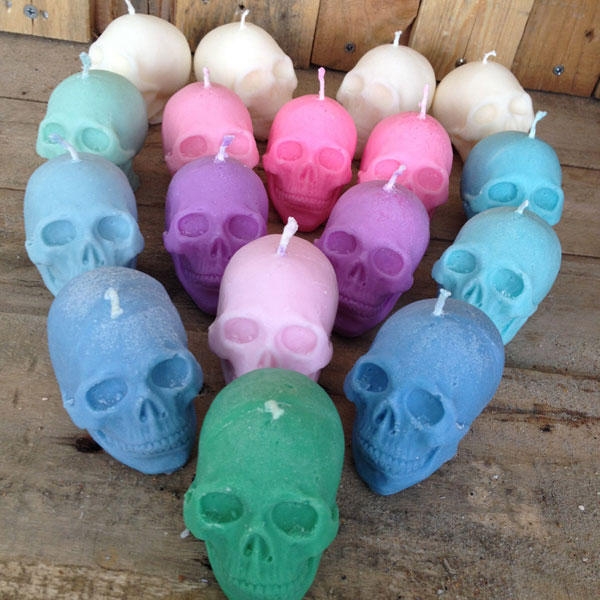 creepy cute valentine skull candle