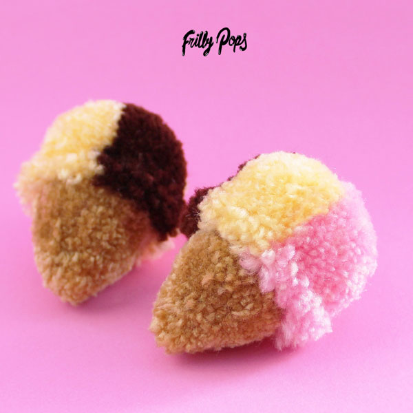 frillypops kawaii pom poms