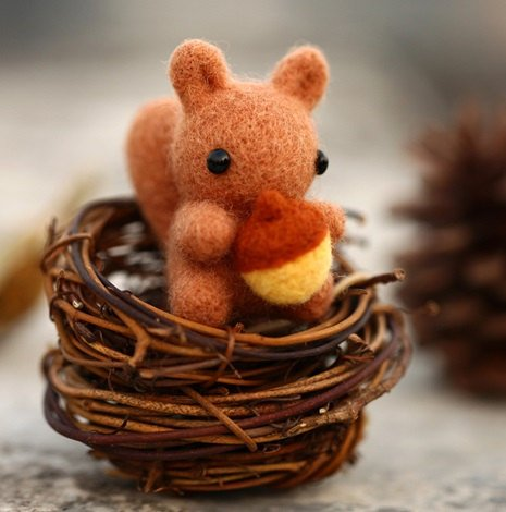 kawaii squirrel needlefelting
