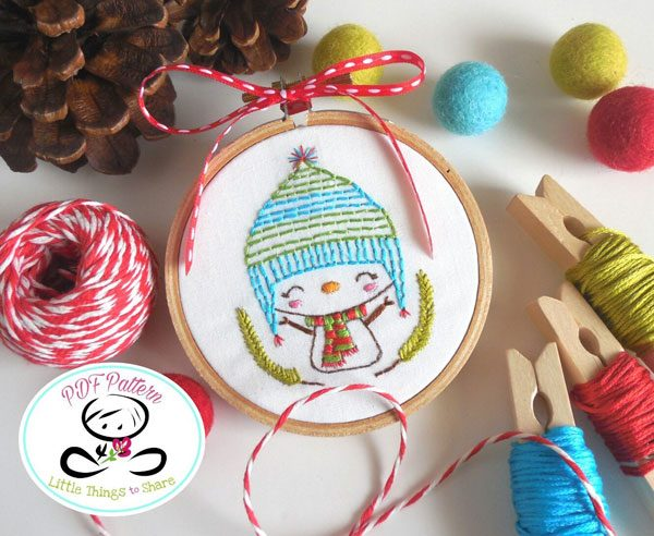 DIY Ornaments - embroidery hoop snowman