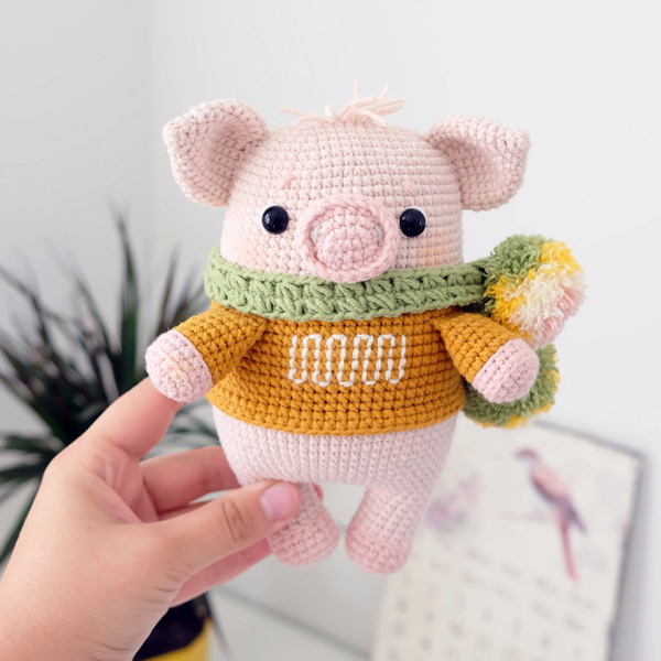 year of the pig crafts - amigurumi crochet pattern