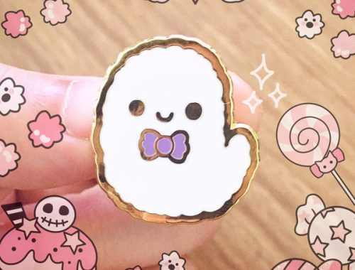 Friendly Ghosts kawaii Halloween enamel pin
