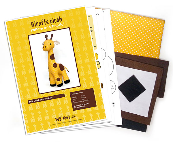 giraffe sewing kit