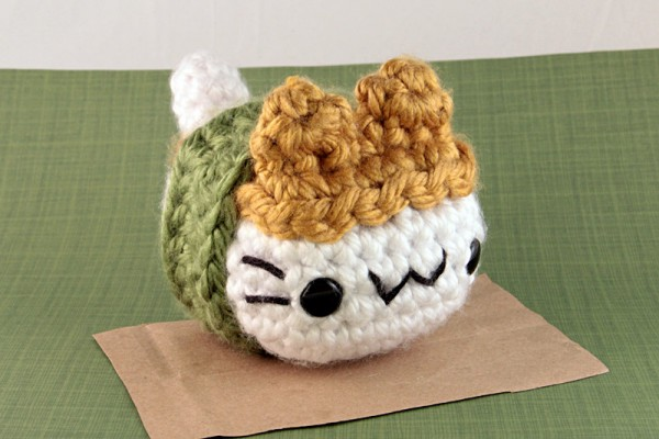 BEST BOOKS] Pocket Amigurumi: 20 Mini Monsters to Crochet and Collec… | 400x600