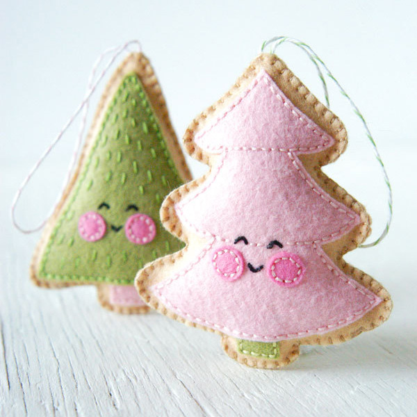 the pdf pattern for these felt merry christmas trees cones is available at trellis thyme for about 9