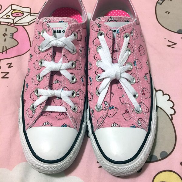 kawaii shoelace styling