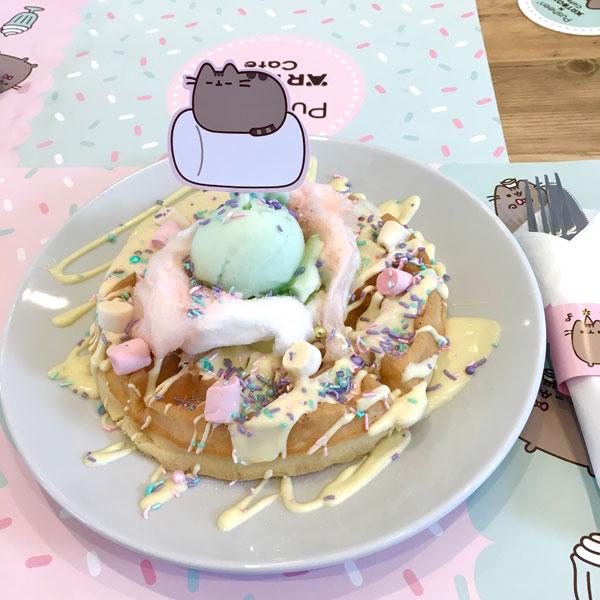 Pusheen x ARTBOX Cafe waffles